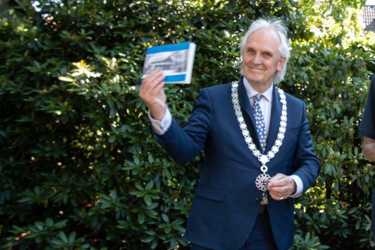 Burgemeester Broertjes opent Plantencollectie
